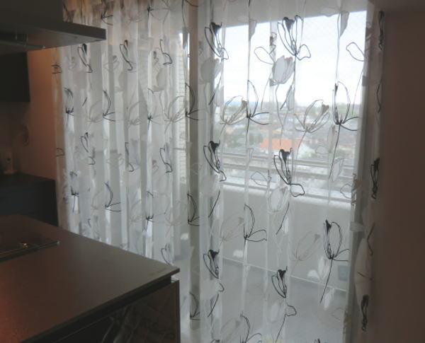 掃き出し窓へレースカーテン納品(京都市内マンション)