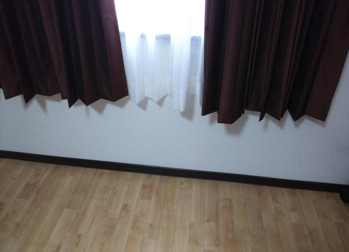 中間窓へオーダーカーテン納品