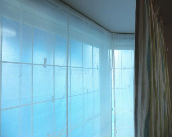 3面出窓へ3台割りで取り付け納品