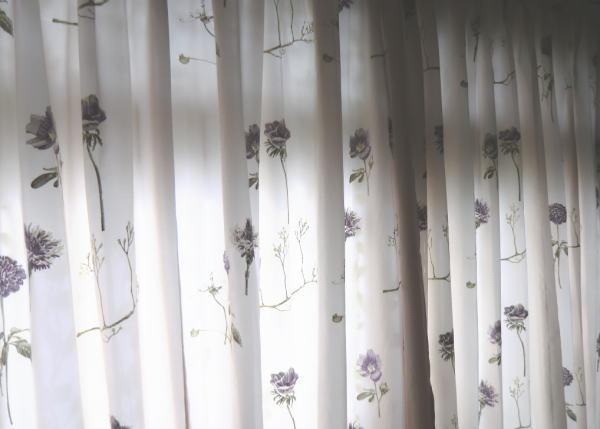 刺繍織の厚手オーダーカーテン納品