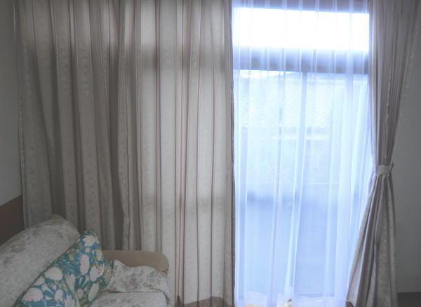 ストライプ柄オーダーカーテン納品、京都住宅