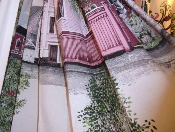 店頭吊りヒダカーテンにVALLILA-コルテッリ(RO)カーテン入荷