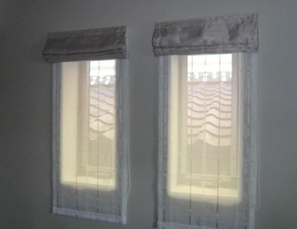 並列窓へダブルタイプのプレーンシェード取り付け納品