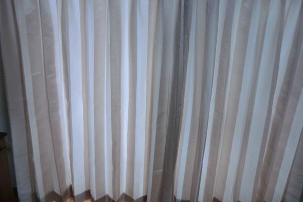 大きな面積の掃き出し窓へオーダーカーテン納品(京都市)