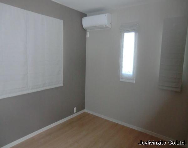 2階の居室にダブルタイプのプレーンシェード取り付け納品