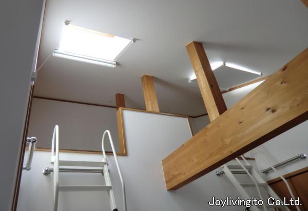天窓・傾斜・調光ロールスクリーン納品(京都市一戸建て住宅)