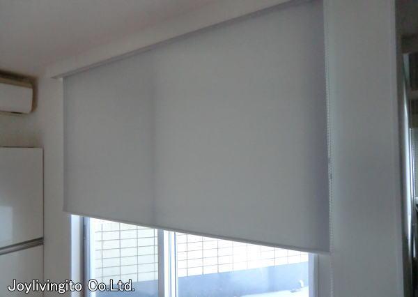 遮光性生地のロールスクリーンを主寝室へ取り付け納品(京都府長岡京市、戸建て住宅)